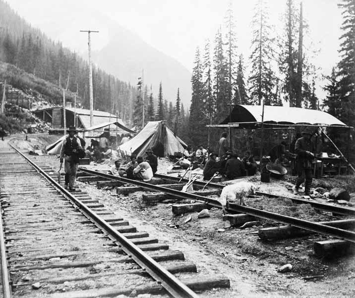 Chinese Used As Slaves To Build U S Rail Road Tracks